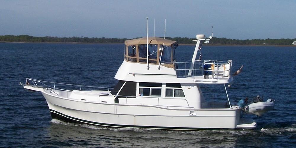 Mainship boat